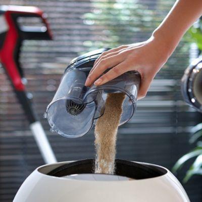 Benzersiz toz haznesi tasarımı sayesinde boşaltma işlemi sırasında etrafa toz dağılmaz