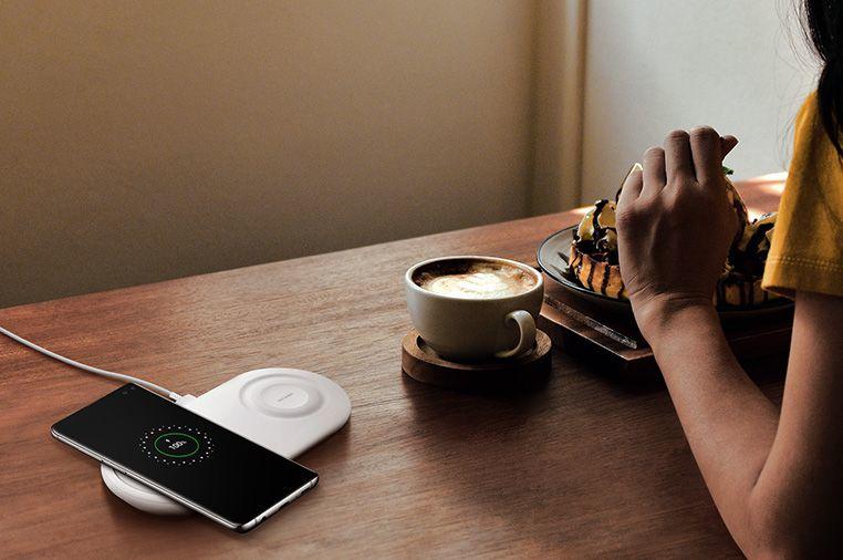 Kablosuz Hızlı Şarj 2.0telefonunuzu daha hızlı hayata döndürür.