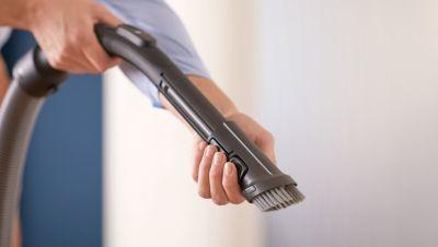 Mobilya ve döşeme gibi hassas yüzeyleri temizleyin