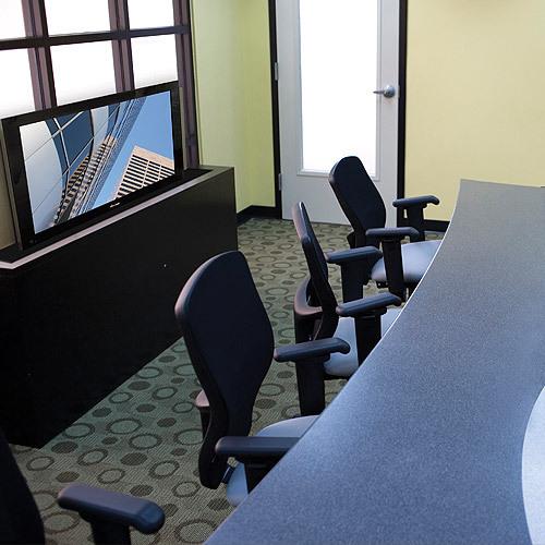 """Chief CM2L40U 61"""" Nero supporto a soffitto per tv a schermo piatto"""