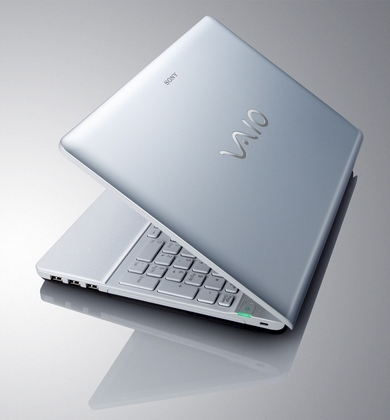 "Sony VAIO VPCEB1J1E/WI 2.13GHz i3-330M 15.5"" 1366 x 768Pixel Bianco notebook/portatile"