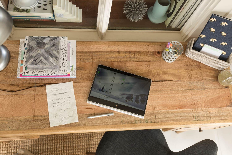 """HP Spectre x360 15-df0100nd Nero, Argento Ibrido (2 in 1) 39,6 cm (15.6"""") 1920 x 1080 Pixel Touch screen 1,8 GHz Intel® CoreT i7 di ottava generazione i7-8565U"""