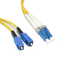C2G 10m LC/SC Duplex 9/125 Single-Mode Fiber Patch Cable - Yellow 10m LC SC Giallo cavo a fibre ottiche