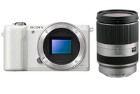 Sony a5000 + Tamron 18-200mm MILC 20.1MP CMOS 5456 x 3632Pixel Bianco